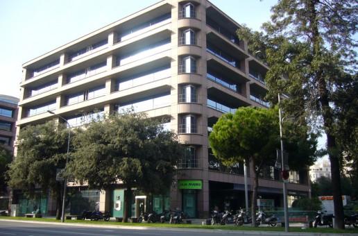 Renta Corporación compra, vende y transforma edificios